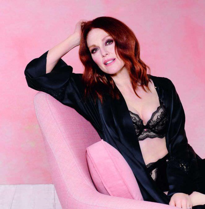 Джулианна Мур фотография в чёрном белье