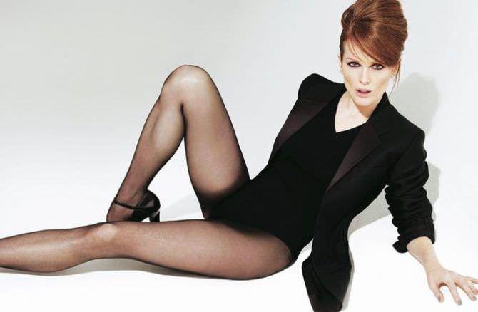 Джулианна Мур фото в чёрном боди и пиджаке