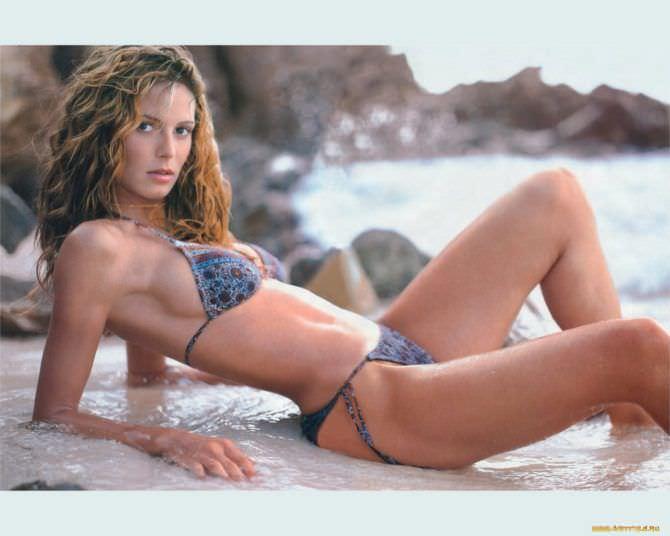 Хайди Клум фото на пляже в молодости