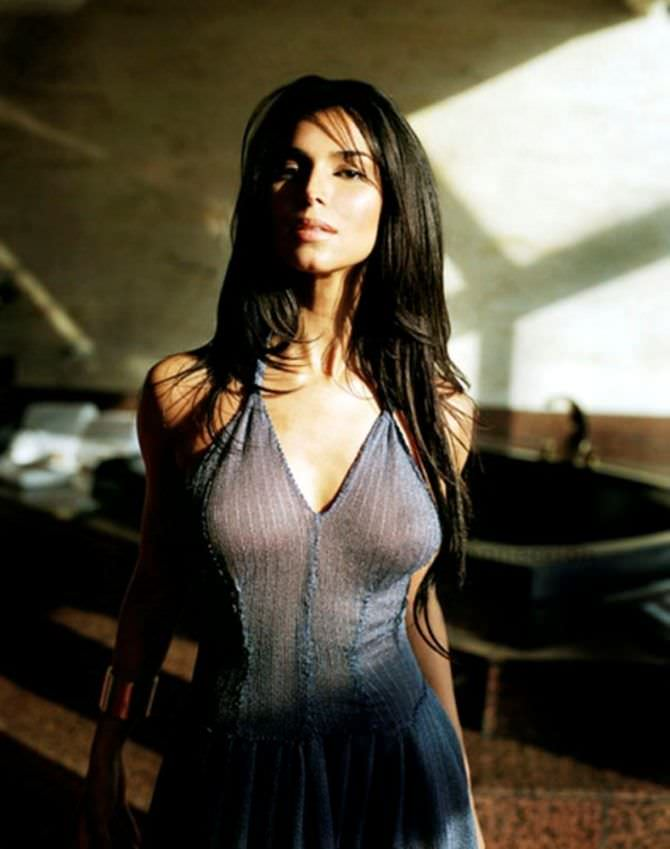 Розалин Санчес фото в обтягивающем платье