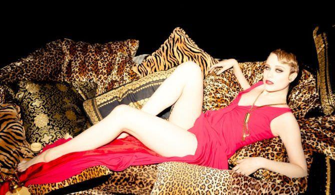 Эван Рэйчел Вуд фото в красном платье