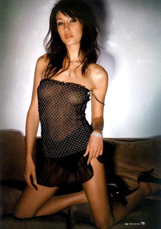 Мэгги Кью фото в прозрачной сорочке