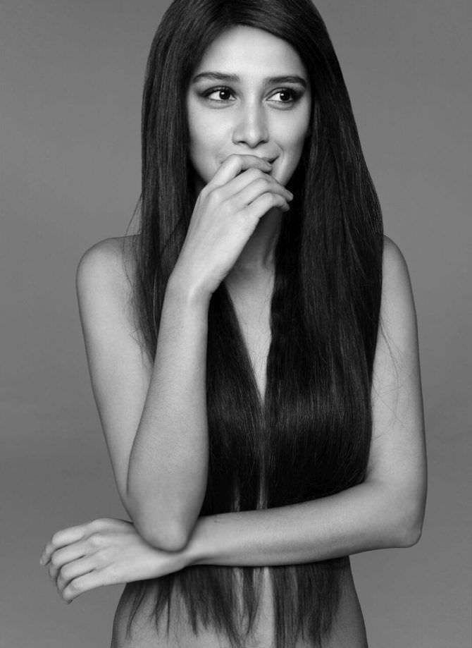Равшана Куркова фото с распущенными волосами