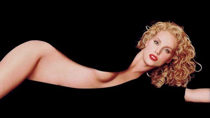Элизабет Беркли фото с телом прикрытым кофтой