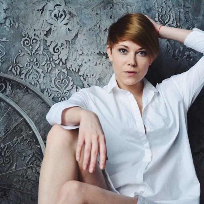 Мария Пирогова фотография в белой рубашке