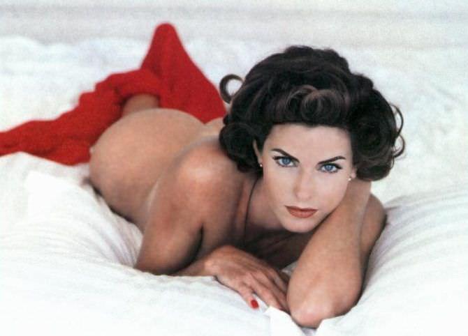 Джоан Северанс фото с красным покрывалом