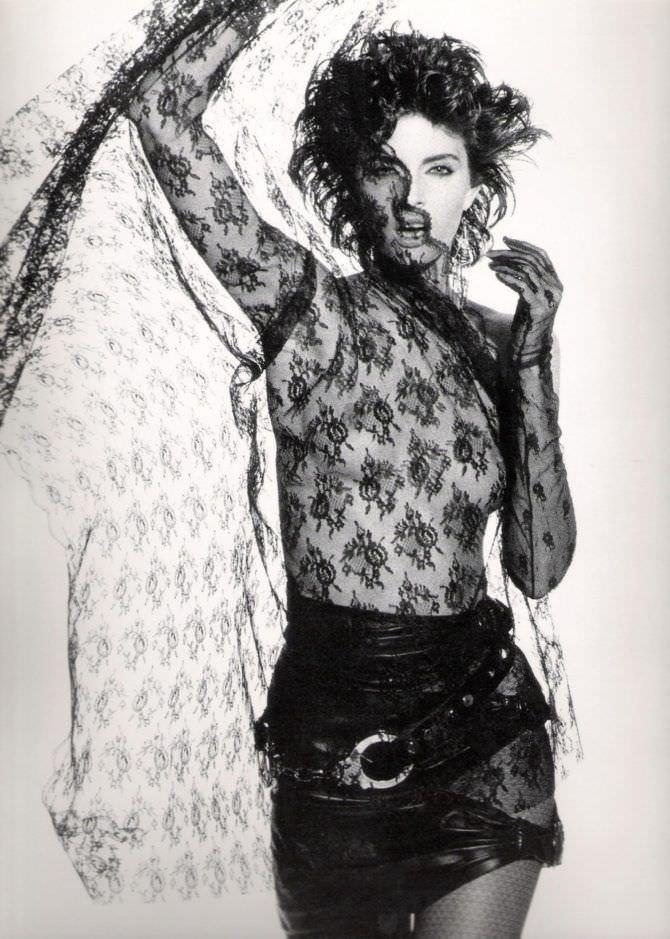 Джоан Северанс фотография в юбке с вуалью