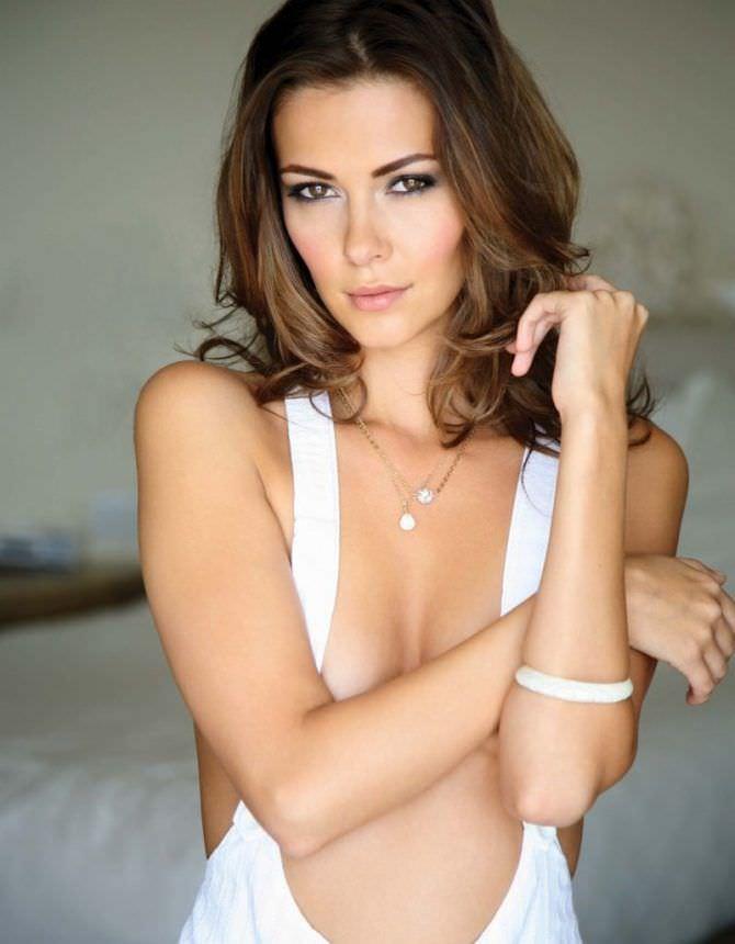 Ольга Фонда фотография в белом браслете
