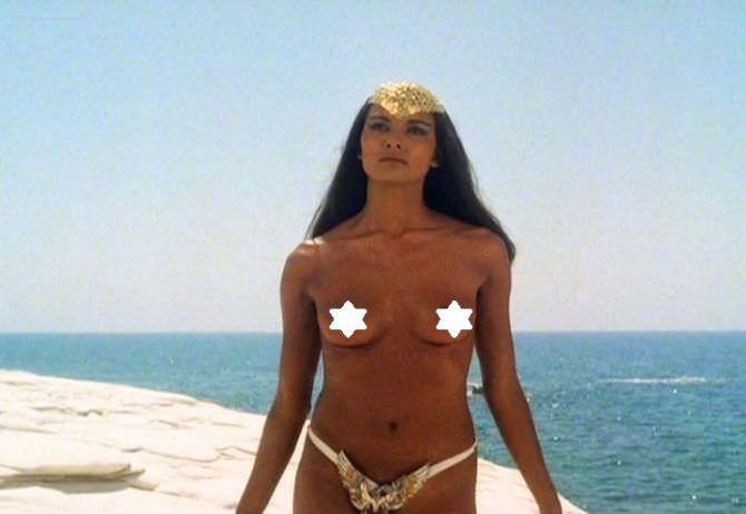Лаура Гемсер кадр из фильма на пляже