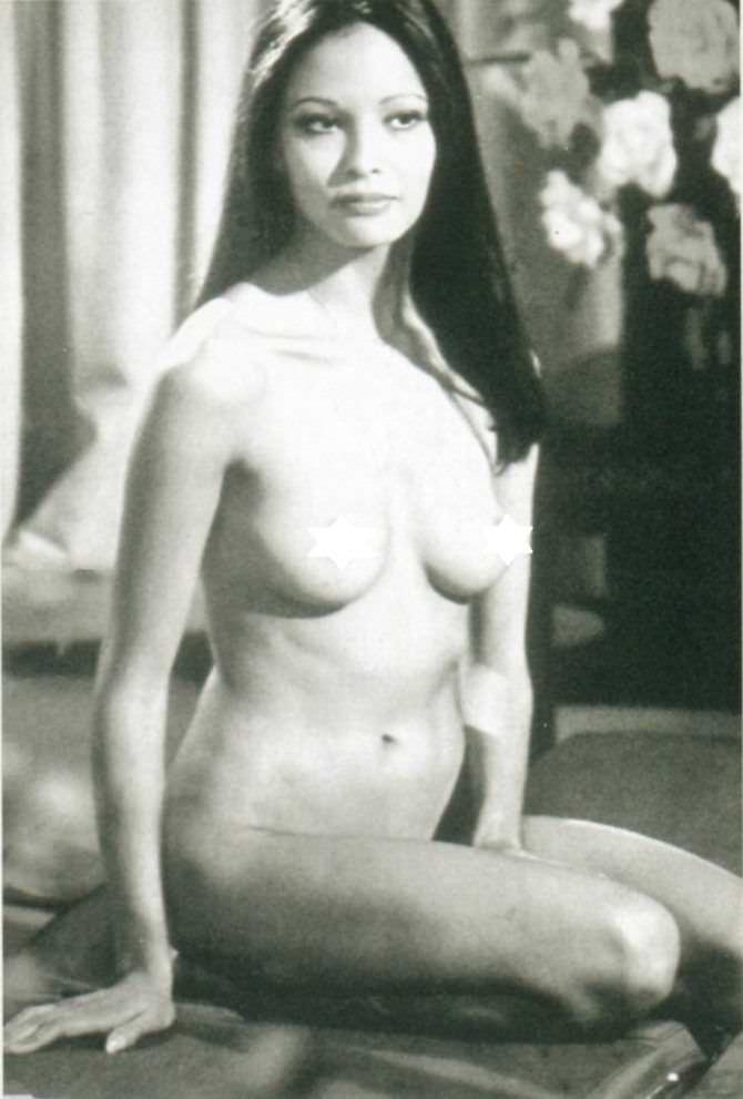 Лаура Гемсер чёрно-белое фото без одежды