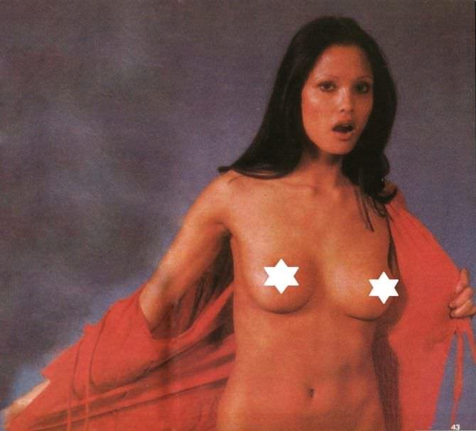 Лаура Гемсер фото в красной блузке