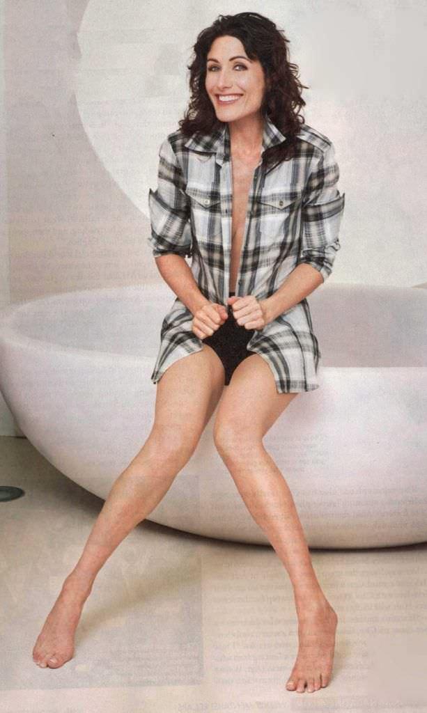 Лиза Эдельштейн фотография в клетчатой рубашке