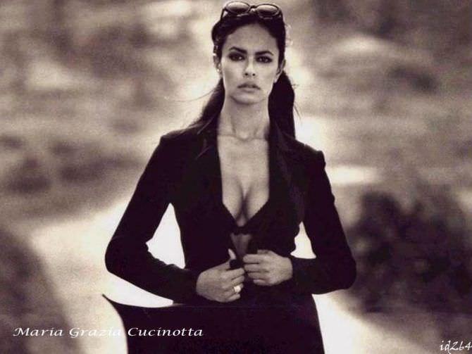 Мария Грация Кучинотта красивое чёрно-белое фото
