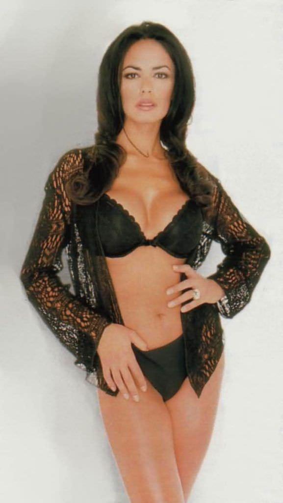 Мария Грация Кучинотта фотография в кружевной блузке