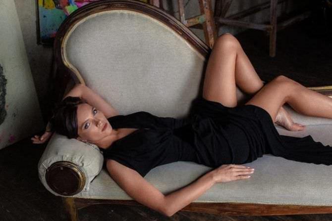 Наталья Земцова фотосессия в чёрном платье
