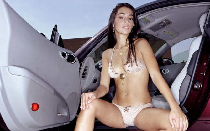 Натали Мартинес фото в автомобиле
