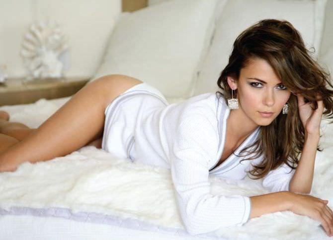 Ольга Фонда фотосессия в белой рубашке