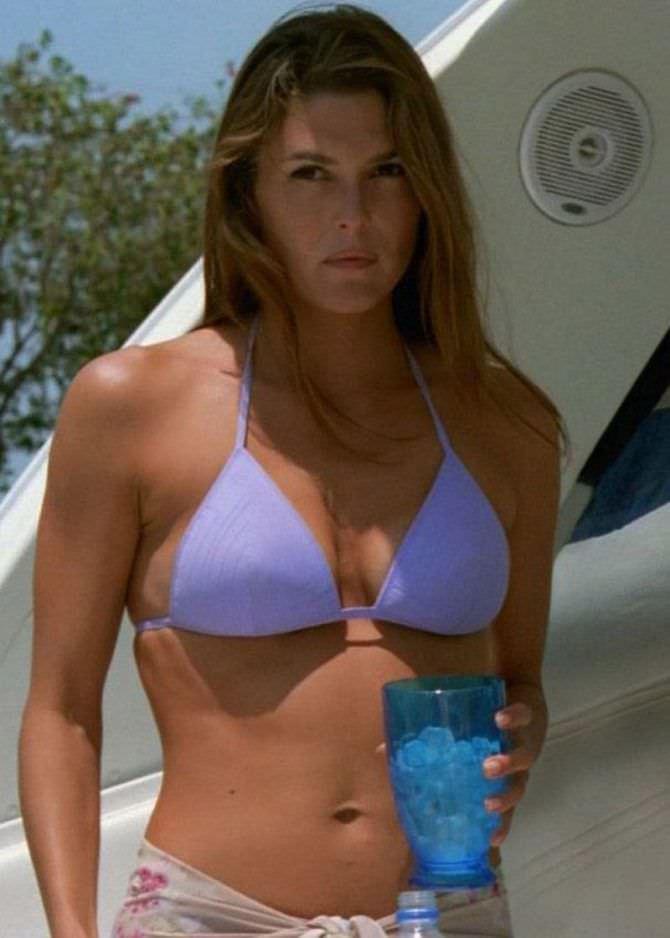 Пейдж Турко фото в сиреневом бикини на пляже