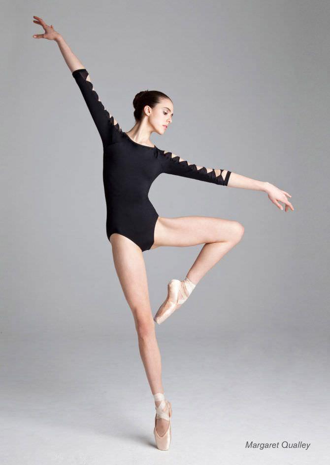 Маргарет Куэлли фотосессия в балетном боди