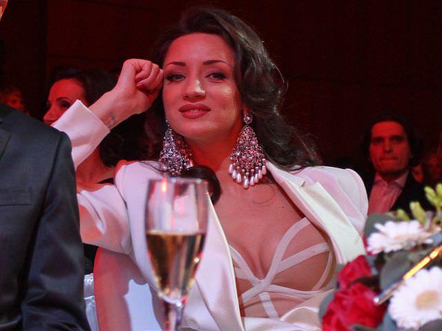 Татьяна Денисова фото в пиджаке