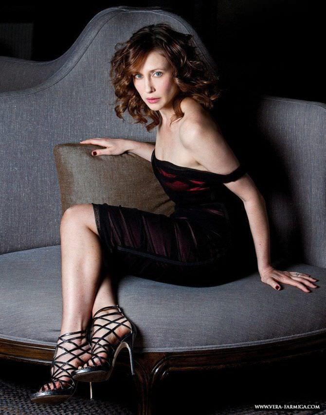 Вера Фармига фотосессия в вечернем платье