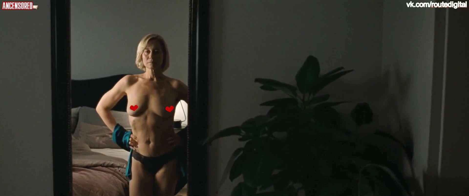 Трине Дюрхольм фото в зеркале