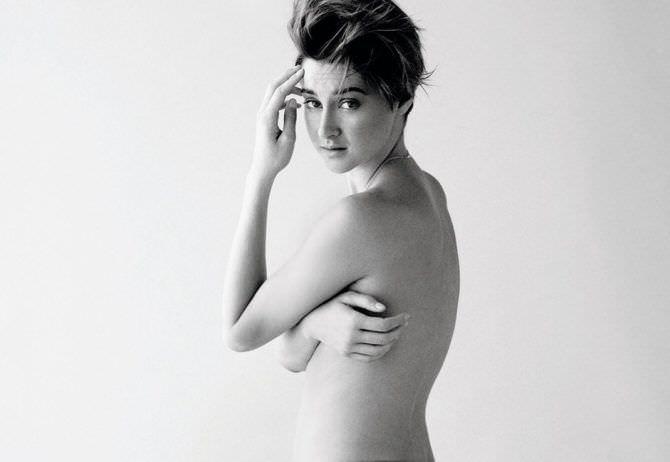 Шейлин Вудли откровенное чёрно-белое фото