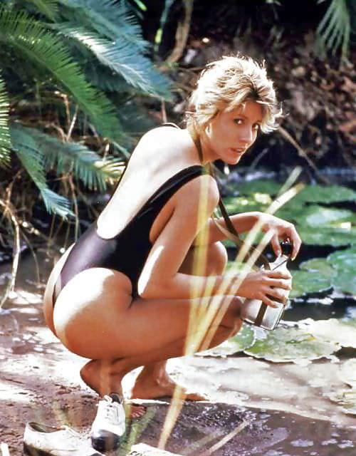Линда Козловски фото на песке