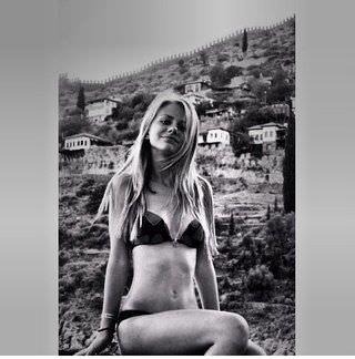 Елизавета Кононова фото в купальнике