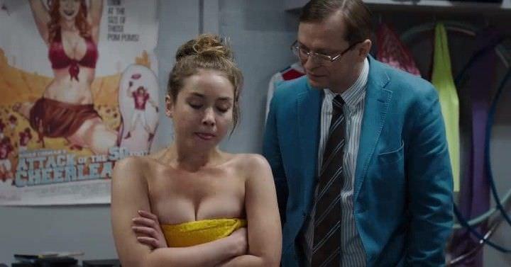 Юлия Маргулис фото в полотенце