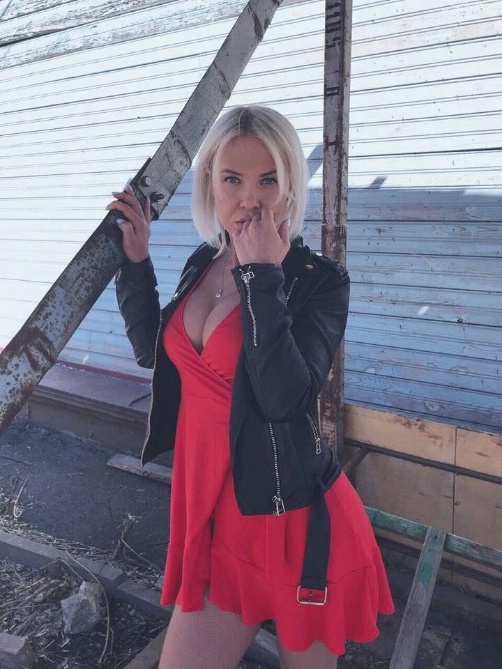 Любовь Томская фото в платье