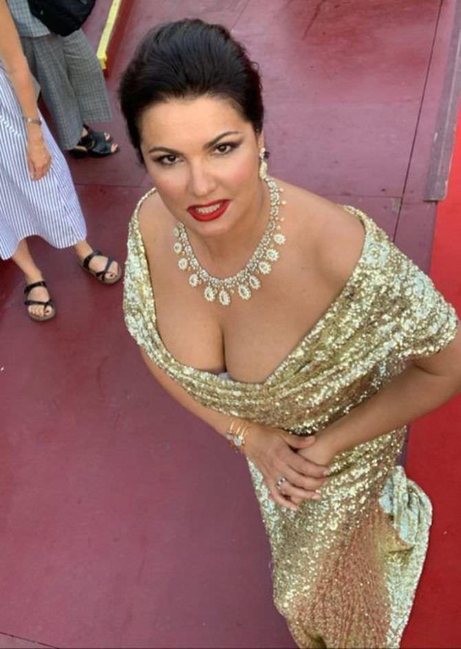 Анна Нетребко фото в вечернем платье