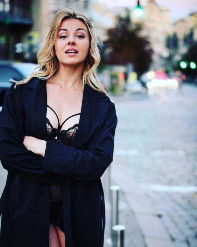 Олеся Фаттахова фото в нижнем белье и пиджаке