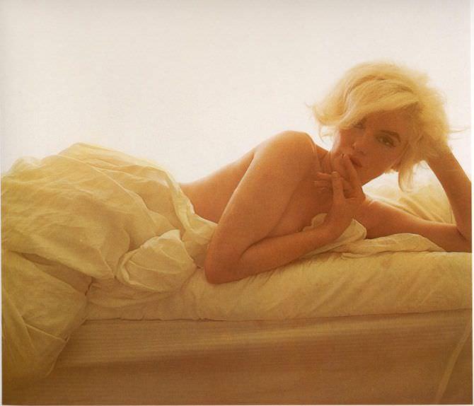 Мэрилин Монро красивое фото в постели
