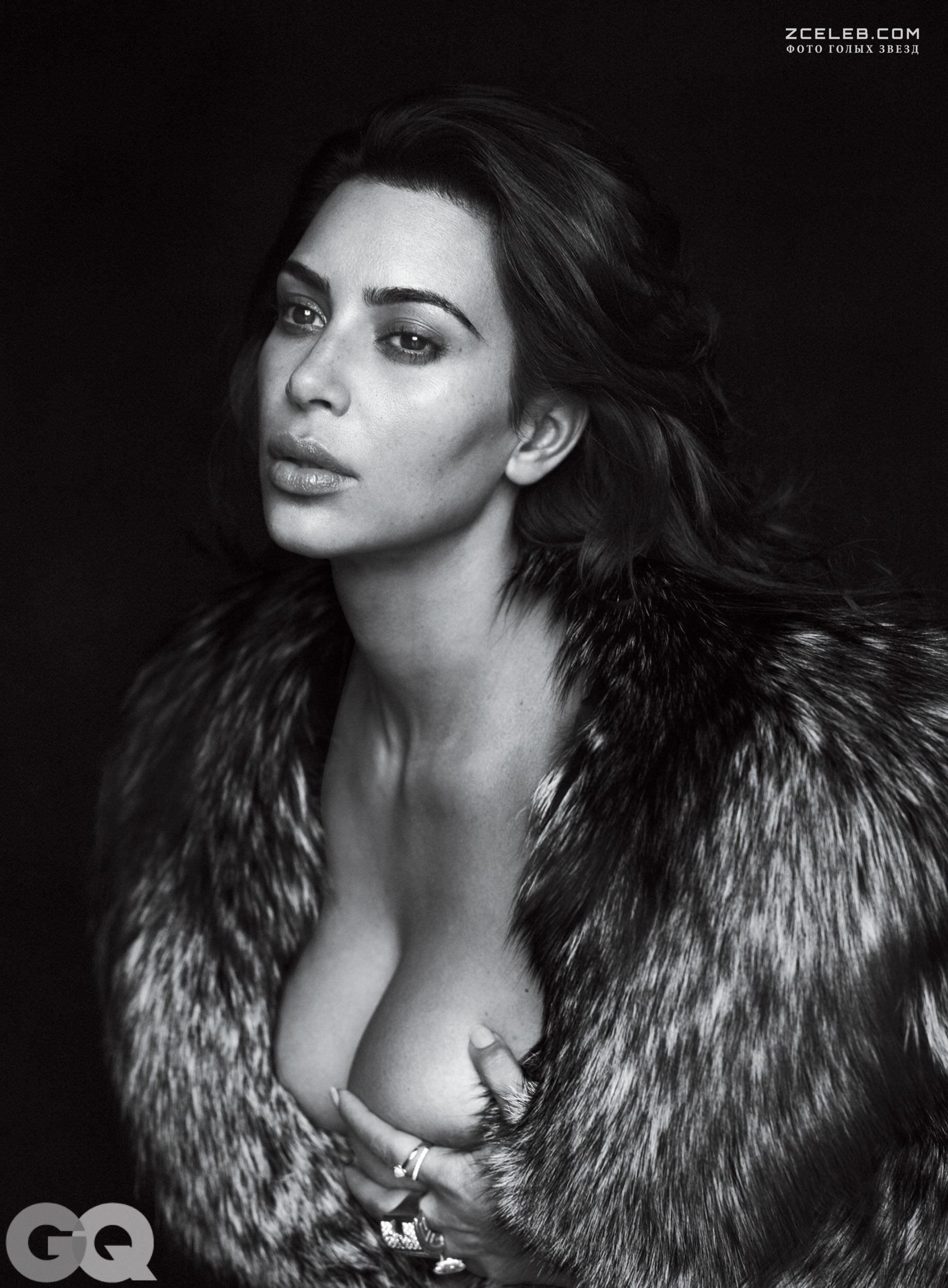 Ким Кардашян фото груди