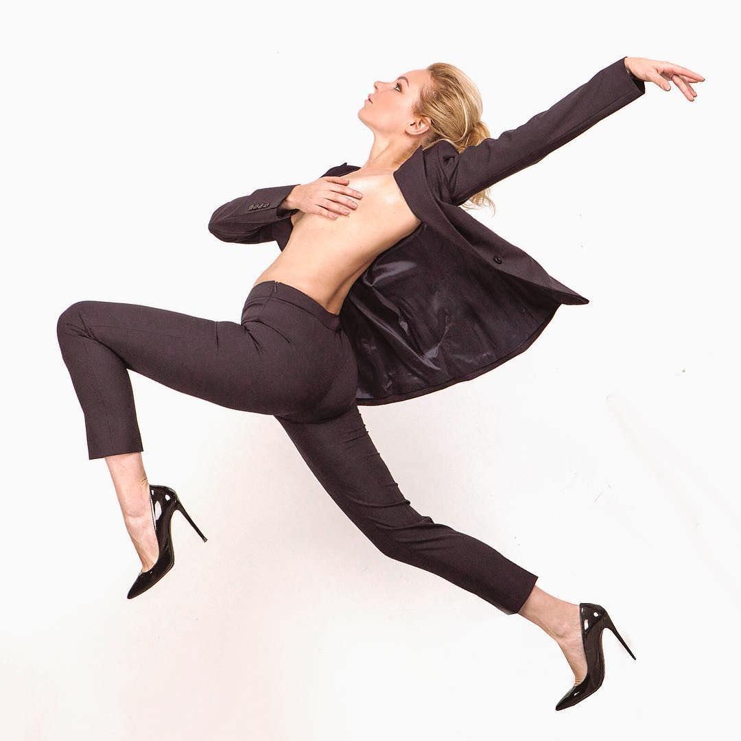Алиса Вокс фото в костюме