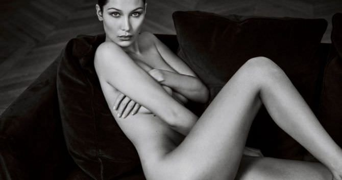 Белла Хадид чёрно-белое фото без одежды