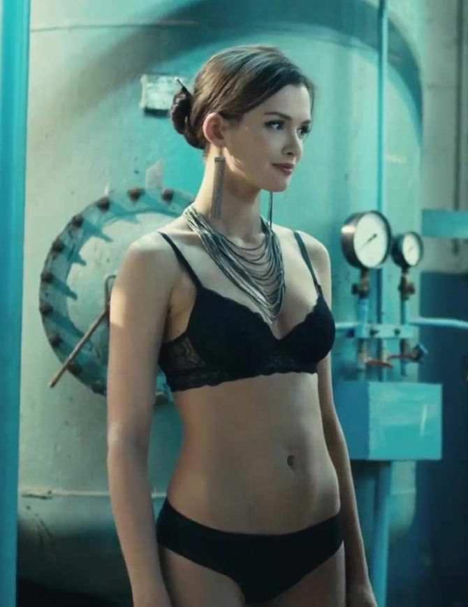 Паулина Андреева кадр из сериала в белье