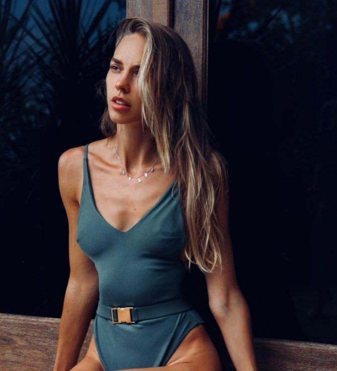Надежда Сысоева фотография в зелёном купальнике