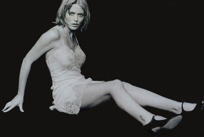Пэтси Кенсит фотография в ночной сорочке