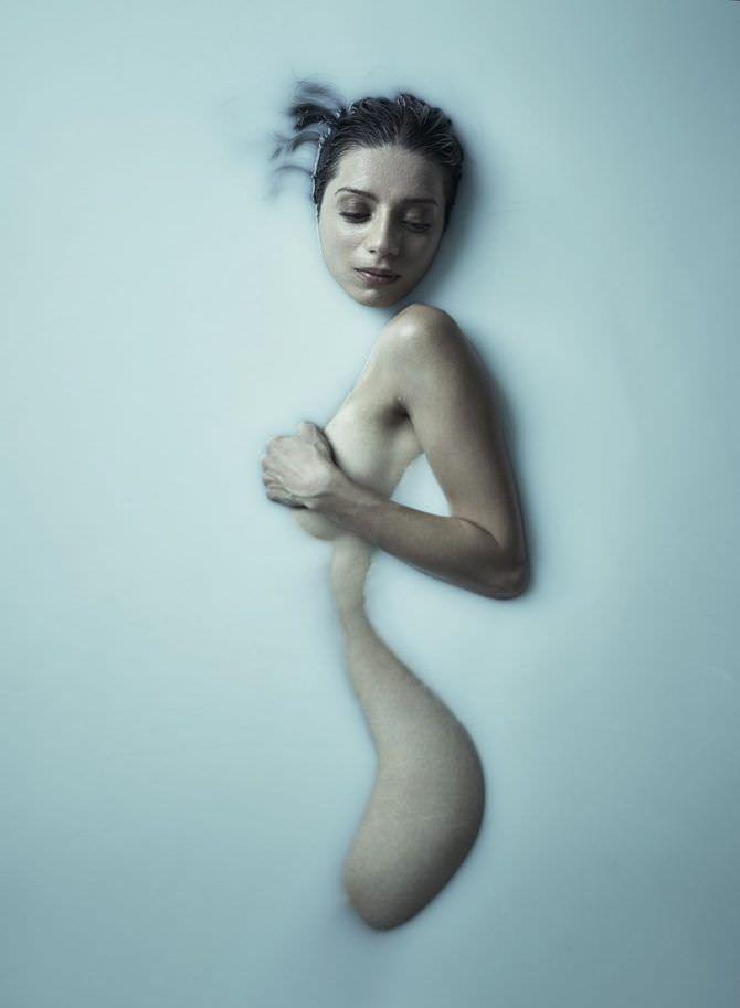 Анджела Сарафян откровенная фотосессия в молоке