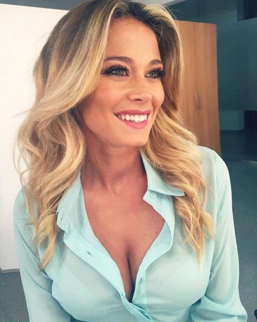 Дилетта Леотта фото в блузе