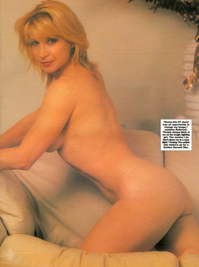 Синтия Ротрок фотография на кресле