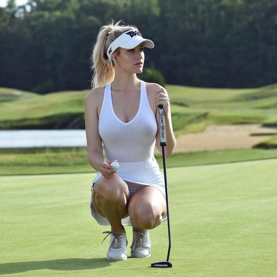Пейдж Спиранак на поле для гольфа