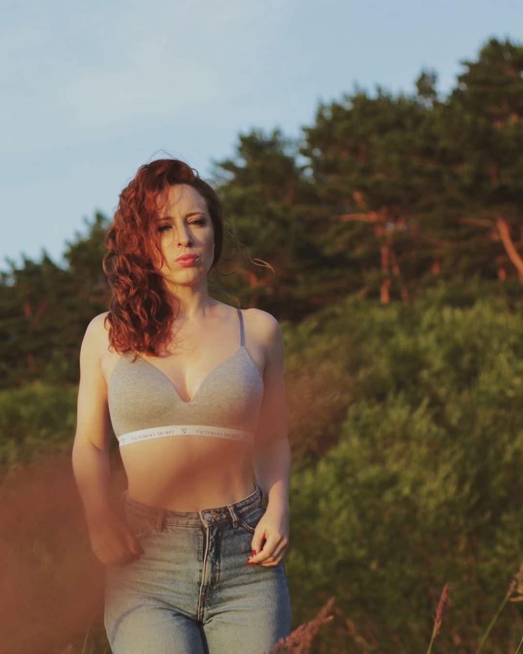 Ирина Шихман фото в джинсах