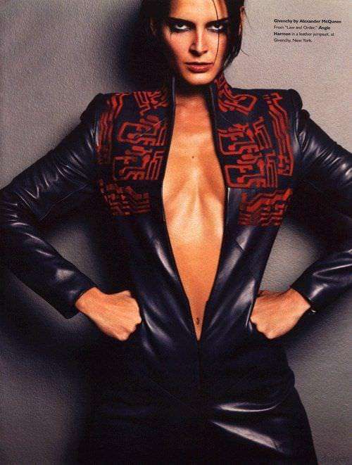 Энджи Хармон фото груди