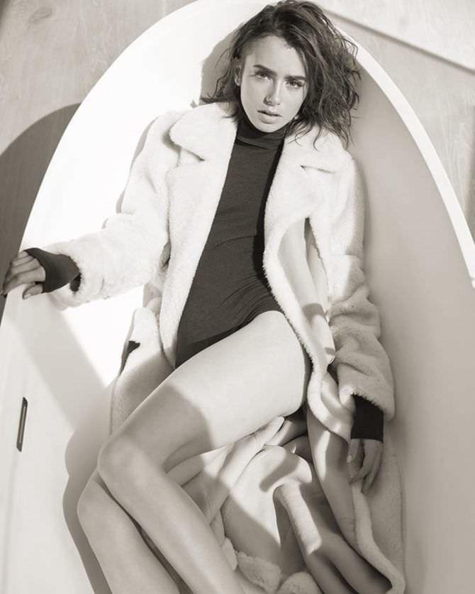 Лили Коллинз фотография в пальто