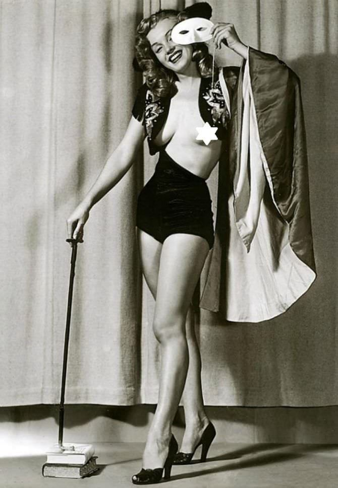 Мэрилин Монро откровенное сканадльное фото в молодости