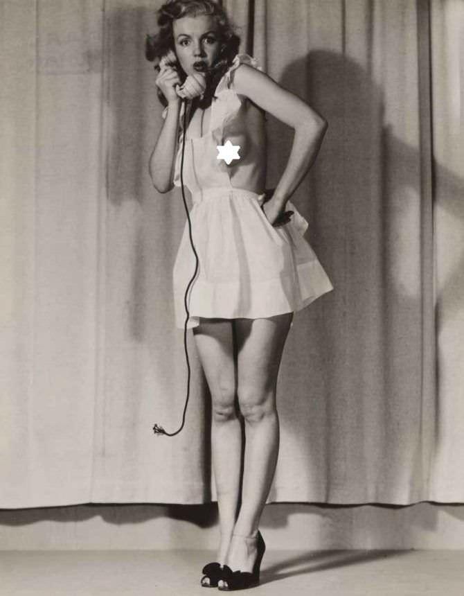 Мэрилин Монро скандальное откровенное фото
