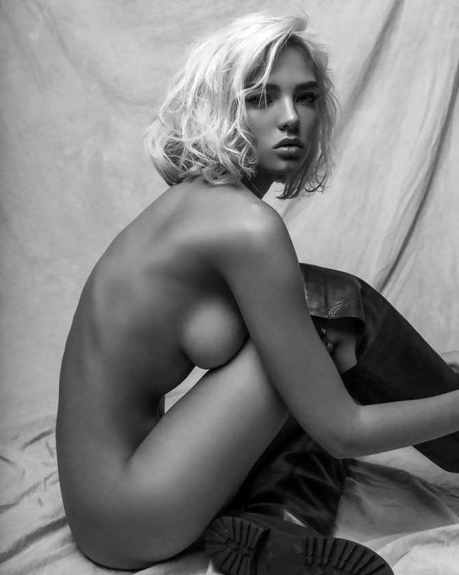 Алеся Кафельникова фото в высоких сапогах